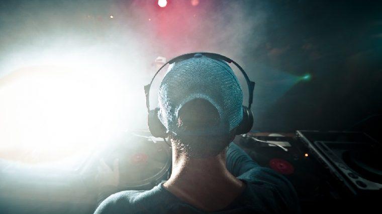 Produce tu música en cualquier lugar con estas 5 herramientas esenciales