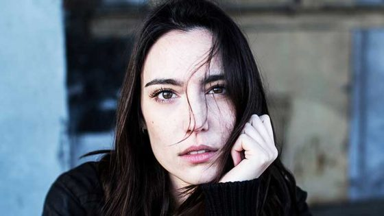 'HYPNOTIZED' EL NUEVO EP DE AMELIE LENS