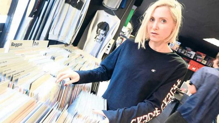 Ellen Allien lanza remixes de 'Alientronic' FT. Terence Fixmer, Introversion y Regal