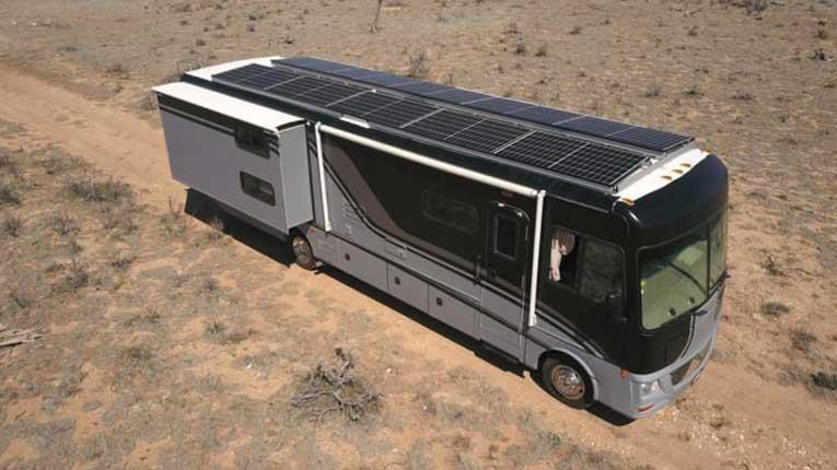 LAGOODVIBE Presenta el primer estudio de grabación móvil con energía solar