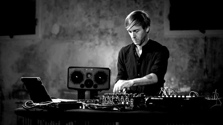 RICHIE HAWTIN ANUNCIA NUEVA APP INTERACTIVA 'CLOSER'