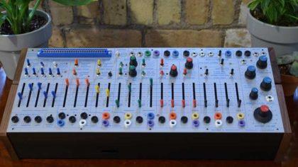 El sintetizador de Buchla 'Easel Command 208c' ya está disponible