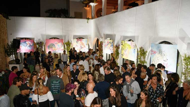 Music Against Animal Cruelty organizó subasta en Ibiza con obras de Robyn Ward
