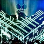 Deadmau5 lanza nuevo single 'Coasted' inspirado en Cube V3