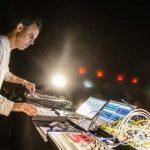 Four Tet lanza dos nuevos tracks con títulos tan extraños como su nuevo aka