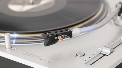 Technics lanza una nueva gama de productos incluidos platos, audífonos y altavoces