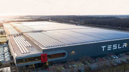 Elon Musk quiere organizar una 'mega rave' en la Gigafactory de Tesla en Alemania