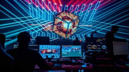 VIDEO: Deadmau5 lleva su espectáculo 'Mega Cube V3' a Londres