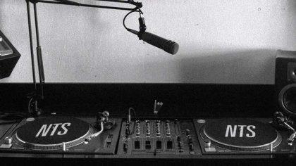 NTS anuncia un programa de radio de 24 horas que incluye a Skrillex, Four Tet, Black MIDI y más