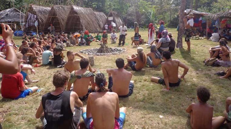 Varios asistentes a festival EDM en Panamá aún permanecen aislados en el lugar 40 días después de haber terminado