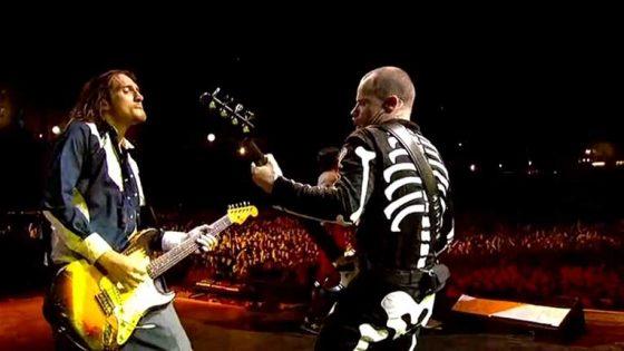 AUDIO – Flea y John Frusciante de Red Hot Chilli Peppers comparten la música que inspiró sus inicios en un DJ Set