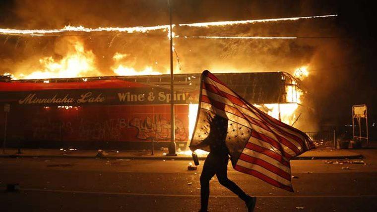 BLACKOUT TUESDAY: La industria musical se une a las protestas por los recientes acontecimientos en Minneapolis