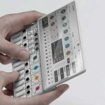 Una agencia creativa visualiza el sintetizador OP-1 de Teenage Engineering como un smartphone