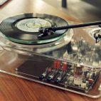 FOTOS – Gearbox fabrica un tornamesa totalmente transparente