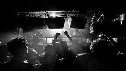 Inglaterra permitirá los eventos musicales en locales a partir del 1º de agosto