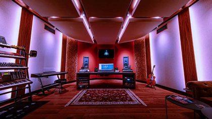 VIDEO – Conoce el estudio de Nicky Romero a través de un tour virtual