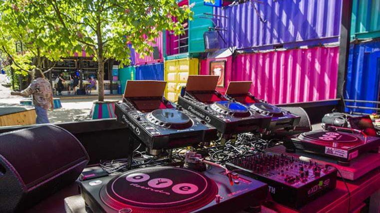 Comisión de Clubes de Berlín pide al gobierno local trasladar clubes a zonas al aire libre como parques y plazas
