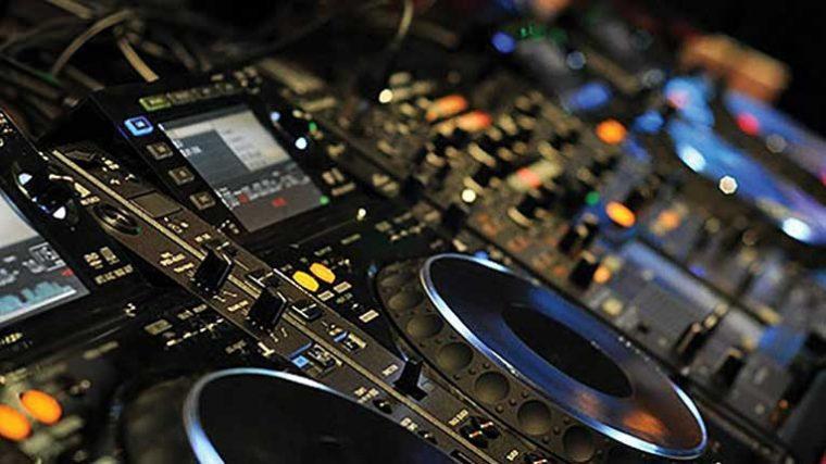 ¿Back 2 Back a distancia? Parece que ahora será posible con el nuevo hardware 'Faraway DJ'