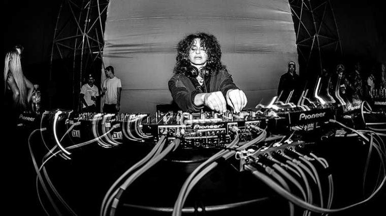 ¿Ya lo escuchaste? – Nicole Moudaber lanza remix de 'Plexus 3AM' del dúo de Frankfurt, Booka Shade