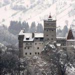 Elrow esta organizando el evento virtual 'Horroween' desde el castillo de Drácula en Transilvania