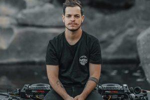 +Entrevista: El brasileño Bhaskar debuta en Armada, el sello de Armin van Buuren, con Stone Heart