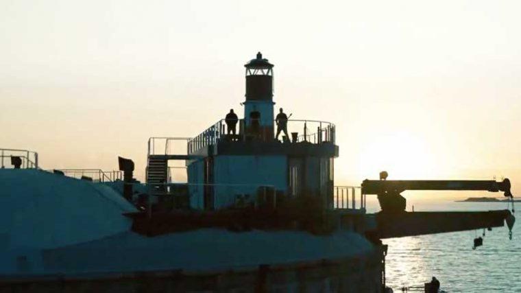 VIDEO – Mira la presentación de Pendulum desde una plataforma en medio del mar