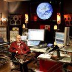 ¿Quieres un nuevo sintetizador? Mira todos los equipos que está vendiendo Junkie XL