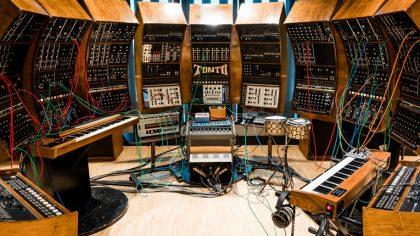 ¿Quieres ver como la electricidad se traduce en sonido? El Moogseum ofrece la posibilidad a través de un tour virtual