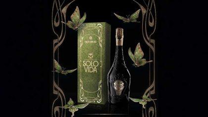 Tomorrowland continua reinventándose y lanza la nueva línea de Vino «Solo Vida»