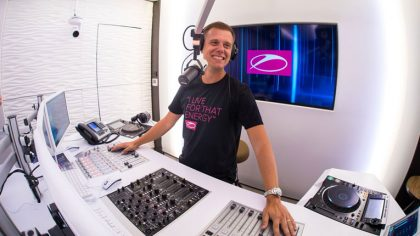+AUDIO   Armin Van Buuren comparte su último set del año «A State Of Trance mix 2020»