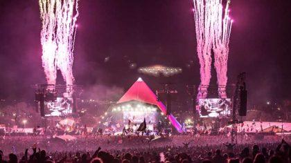 Pyramid Stage   Glastonbury homenajea al diseñador del emblemático escenario tras su muerte