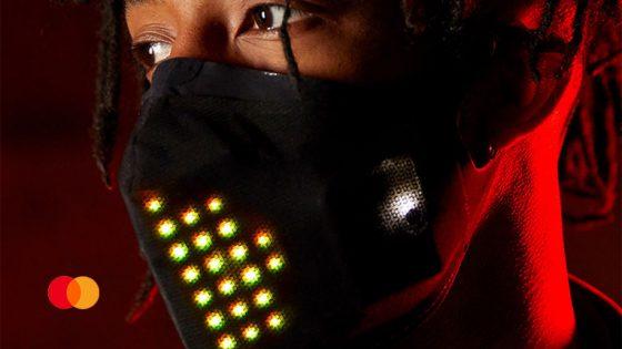 Mastercard presenta su mascarilla LED «ideal para festivales»