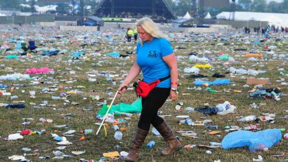 Trashion: Conoce a la mujer que crea arte con basura reciclada en festivales