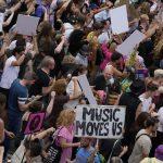 Miles de personas protestaron al ritmo del techno este fin de semana en los Países Bajos