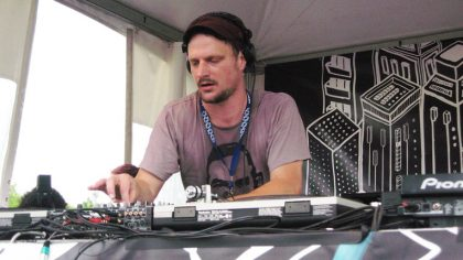 Dj Koze debuta en el sello Anjunadeep con el remix 'Sanba Yo Pran Pale'