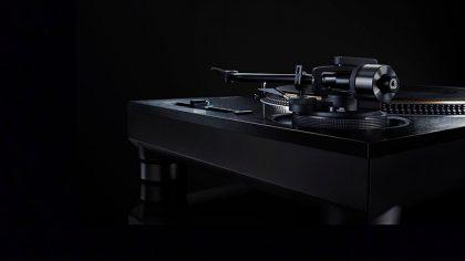 El nuevo plato de Technics tiene un diseño totalmente dark
