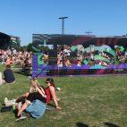 INSÓLITO: La ingeniosa manera en que un asistente pasó licor a un festival