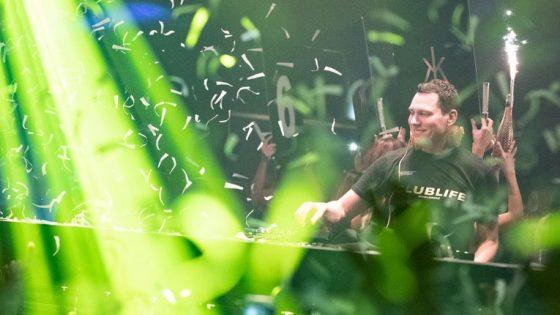 Obituario: Lanzan cenizas de un fan de Tiësto en pleno set