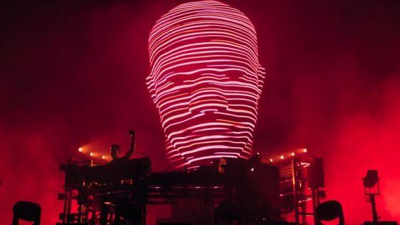 The Chemicals Brothers tocan en un festival y el sonido llega a más de 12km de distancia